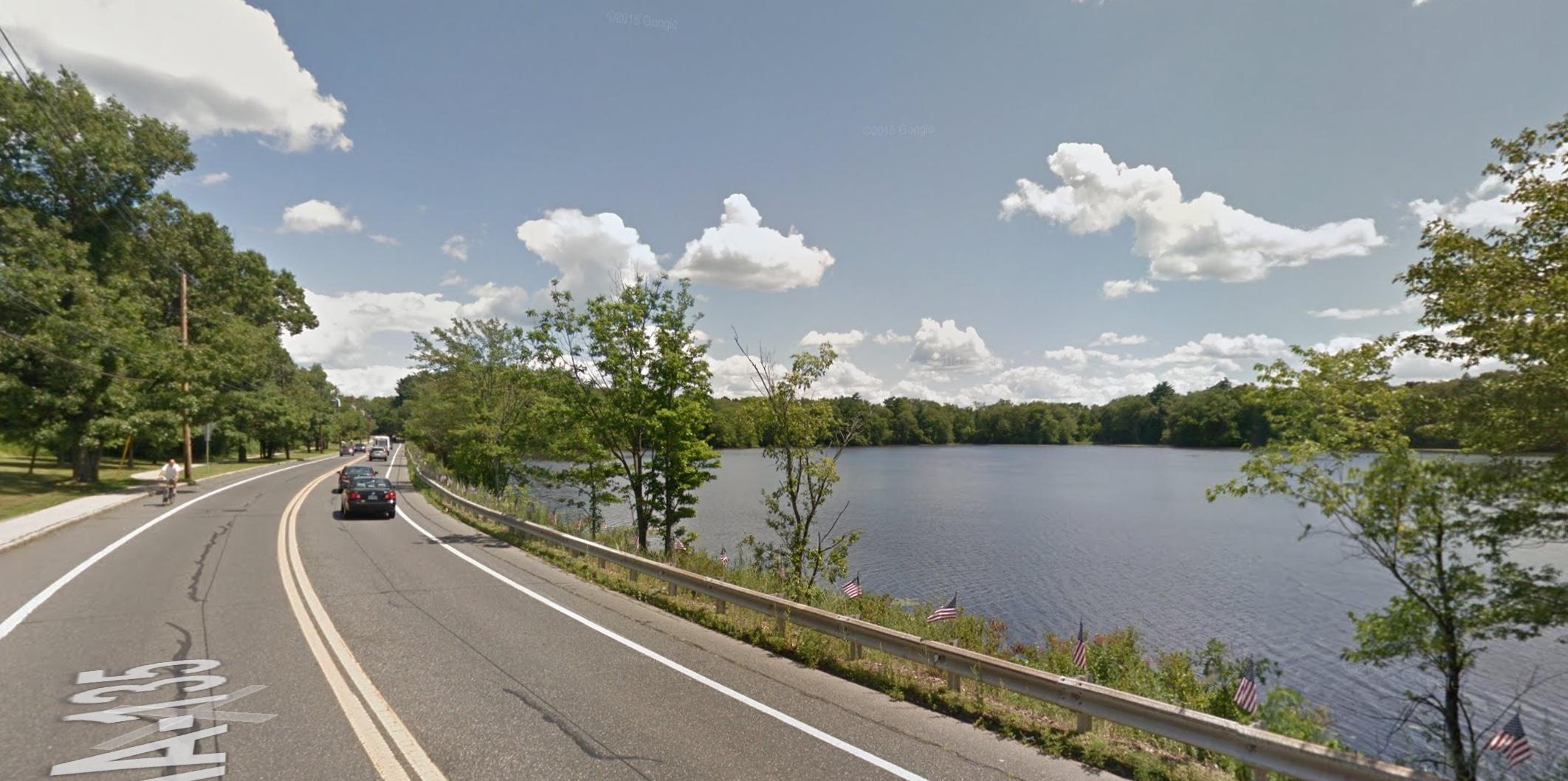 Lake Cochituate, foto Google Street View